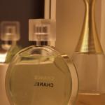Jak nakoupit levně parfémy
