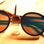 Víte, jaké sluneční brýle vám letos nesmí chybět v kabelce?