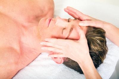Překvapte příjemnou masáží hlavy