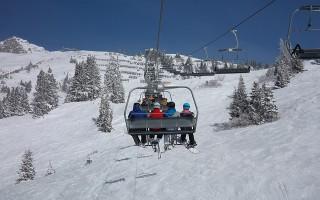 ski-lift-e03cb80d2a_640