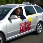 Překvapte svého přítele řidičským uměním – řídit vás naučí Pražská autoškola King