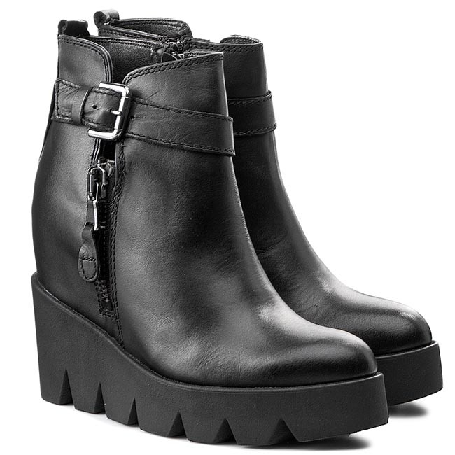 Podzim je za dveřmi. Jaké si pořídit boty  - Okouzli každého muže ... ef60b238a3